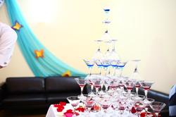 Горка шампанского