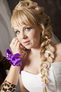 Прически на свадьбу для подруг